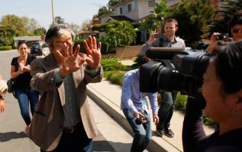 Satoshi Nakamoto oblegany przez prasę
