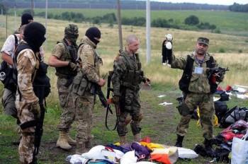 Prorosyjscy separatyści na terenie katastrofy