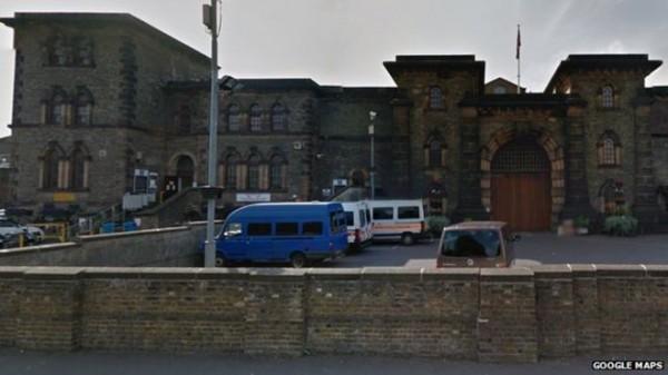 Więzienie w Wandsworth, z którego nie trzeba uciekać, bo sami Cię wypuszczają jak ich poprosisz w e-mailu