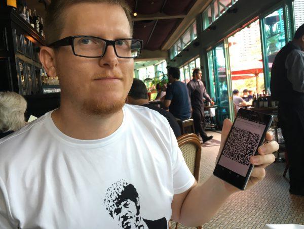 Przemek Jaroszewski w koszulce naszej produkcji -- gdyby ktoś był chętny, dajcie znać na e-mail, mamy jeszcze kilka sztuk. Fot. Andy Greenberg