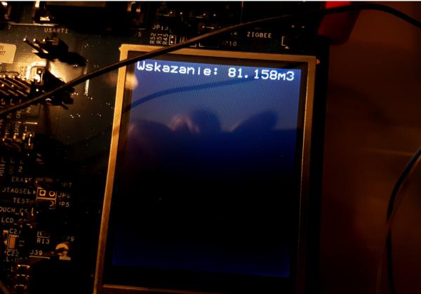 Wskazanie licznika na urządzeniu - zdjęcie